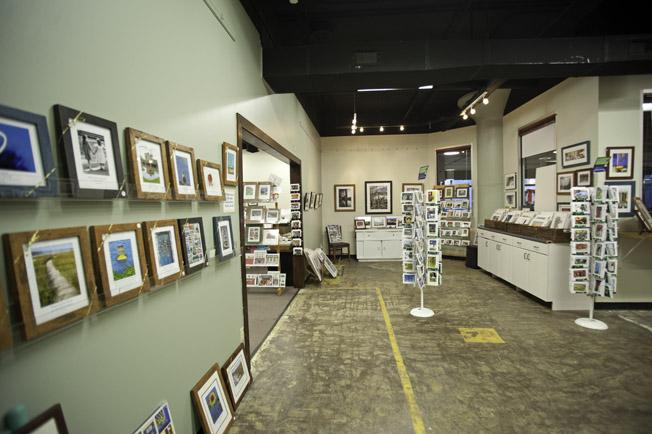 Gallery side